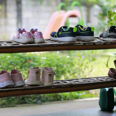 Rak sepatu